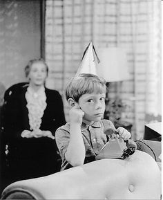 OMG, Billy Mumy, pre-Lost in Space, in a weird Twilight Zone episode. DO NOT upset this kid or he will PUT YOU IN THE CORNFIELD. He had the ability to make people disappear using only his mind and reappear in some dimension he called The Cornfield. So, if he wants chocolate caramel almond ketchup cake for dinner, guess what you're baking??