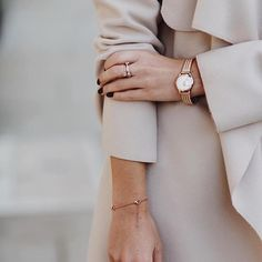 Keep the understated elegance of this Westminster watch running through the whole outfit with neutral tones and simple fabrics. Jewelry Photography, Photography Poses, Fashion Photography, Cream Aesthetic, Classy Aesthetic, Photographie Portrait Inspiration, Office Fashion, Photoshoot Inspiration, Fashion Outfits