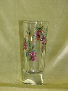 Pair of shot glasses with hand painted berries por StrokesOfPanache