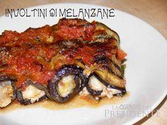 Questa ricetta l'ho provata in Puglia, nel meraviglioso Salento. Una gentile signora salentina ci preparò inaspettatamente questa teglia di involtini e già il gesto ci commosse ma non quanto il gusto di questo sorprendente connubio di sapori! Non avevo mai mangiato le melanzane con la carne macinata! Una vera bontà questi involtini di melanzane! In …