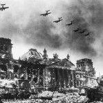 A destruição de Berlim foi algo tão marcante que pessoas de várias partes da Europa e do mundo passaram a visitá-la para ver de perto a cidade devastada. Criou-se um verdadeiro turismo de escombros...