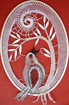 Neue Klöppelmuster August 2008 Bobbin Lace Patterns, Crochet Flower Patterns, Crochet Flowers, Bobbin Lacemaking, Lace Heart, Lace Jewelry, Lace Making, Irish Crochet, String Art