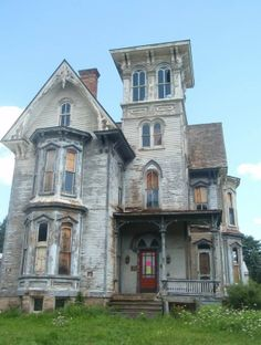 One of Skye's neighbors house is for rent. Any takers? Note: It is Haunted!
