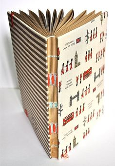 Interesting binding - more at http://www.ibookbinding.com/blog/book-binding-signatures-designs-stitching-ideas/
