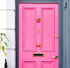 pink door & 14 Door Knockers for a Fresh New Look (Design*Sponge) | Doors Bees ...
