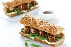 Σάντουιτς με σνίτσελ και πράσινη σαλάτα - Συνταγές   γαστρονόμος
