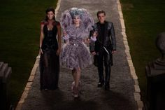 Still of Elizabeth Banks, Josh Hutcherson and Jennifer Lawrence in The Hunger Games: Catching Fire