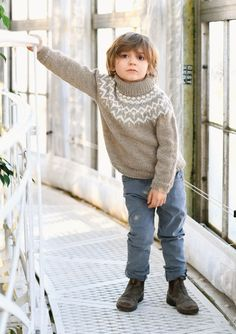 1704 Barn. Strikket Askegenser Kids Coats, Knitting For Kids, Stockinette, Sewing Patterns, Turtle Neck, Pullover, Stitch, Wool, Sweaters