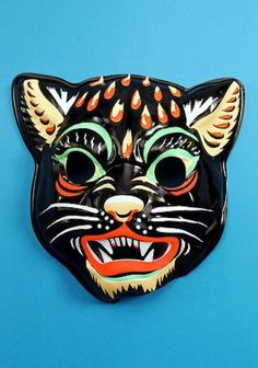 cat panther face with fangs -- vintage retro plastic Halloween mask Retro Halloween, Vintage Halloween Decorations, Halloween Items, Halloween Masks, Fall Halloween, Costume Halloween, Halloween Makeup, Vintage Toys 1960s, Plastic Mask
