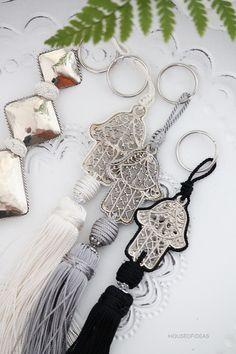 Moroccan tassel http://www.houseofideas.de/epages/63830914.sf/en_US/?ObjectPath=/Shops/63830914/Categories/Category3/Marokkanische_Dekoration/Quasten