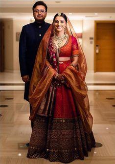 Indian Wedding Lehenga, Wedding Lehenga Designs, Designer Bridal Lehenga, Bridal Lehenga Choli, Lehenga Wedding Bridal, Lehnga Blouse, Wedding Mandap, Wedding Stage, Wedding Wear