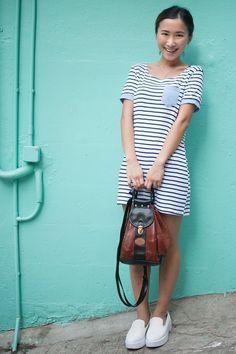 Central, HONG KONG. Livan Lau, housewife. SJ dress, shoes from a shop in Korea, vintage bag - Photo Lorraine Cultfish