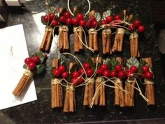 christmas tree ideas rustic DIY Rustic Christmas Ornaments Ideas For Christmas Tree 73 Live Christmas Trees, Rustic Christmas Ornaments, Outdoor Christmas, Ornaments Ideas, Christmas Wreaths, Christmas Christmas, Christmas Candles, Rustic Christmas Tree Decorations, Traditional Christmas Ornaments