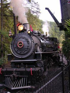 #Dollywood #train ~ www.vrbo.com/558850 or http://www.facebook.com/MyGrandviewCabin or MyGatlinburgCabin.com