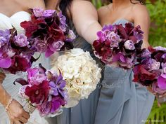 The shades of purple and the grey gown combination is gorgeous