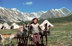 kislány Ways Of Seeing, Tribal People, Central Asia, First World, Historical Clothing, Tibet, Reindeer, Wabi Sabi, Kind
