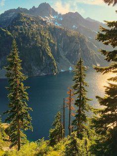 Snow Lake (Mt Rainier National Park, Washington)