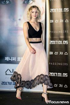 #jenniferlawrence at #passengers #pressconference in #seoul