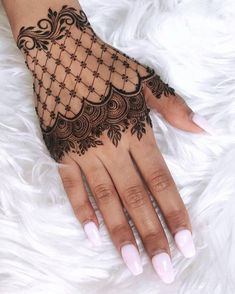 50 Most beautiful Rajasthani Mehndi Design (Rajasthani Henna Design) that you can apply on your Beautiful Hands and Body in daily life. Wedding Henna Designs, Finger Henna Designs, Simple Arabic Mehndi Designs, Unique Henna, Mehndi Designs 2018, Mehndi Designs For Fingers, Simple Mehndi Designs, Henna Tattoo Designs, Easy Henna Tattoos