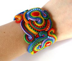 Regalo de pulsera brazalete de Soutache arco iris por SaboDesign