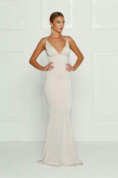 Immagine di dress, long dress, and model