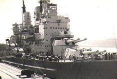 Bridge detail of the Royal Navy's last British battleship HMS Vanguard Hms Vanguard, Hms Hood, Heavy Cruiser, Capital Ship, Us Navy Ships, Naval History, Island Nations, Big Guns, Submarines