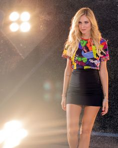 Chiara at the Versace show in a Versace total look Donatella Versace, Gianni Versace, Skirt Fashion, Fashion Outfits, Italian Style, American Women, Casual Wear, Style Me, Leather Skirt