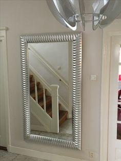 Prachtige moderne spiegel Nick