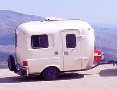 1984 UHaul Travel Trailer (UHaul CT: Camping Trailer) We have one of these... very light-can move it around ourselves. Beachy decor:)