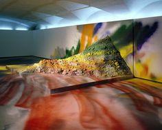 Katharina Grosse Zeitgenössische Kunst in der Intermedialität den Regelfall darstellt, ermöglichen performative Verfahren die Erneuerung von Malerei und Skulptur.