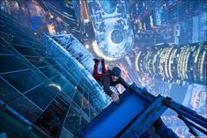 Urban free climbing: The new extreme sport you shouldn't try [pics]