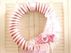 Such a cute Valentine Yarn Wreath.