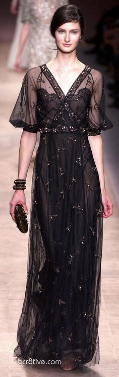 Valentino Spring Summer 2013 Ready To Wear Collection - Evening Gown. A great vintage feel.
