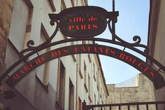 Le marché couvert des Enfants Rouges, créé en 1615, n'a pas pris une ride ! Le plus vieux marché alimentaire de la capitale est situé dans le Haut Marais, à deux pas de la rue de Bretagne. Parisiens et touristes font le plein de produits frais en profitant des étales colorées et odorantes. Dans une ambiance conviviale et bon enfant, on improvise une pause déjeuner à l'épicerie italienne, au stand bio, au traiteur libanais ou encore au snack japonais.#nolinskiparis #conciergeselection…