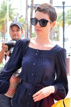 Anne Hathaway's Hair Is Growing Out And We're Really Excited About It (PHOTOS)