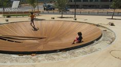 Zameret Park, the green river is further enriched with biological fountains, playgrounds and sculptures