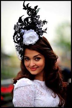 Aishwarya Pretty hair stylish women and latest fashion or trends #aishwarya #bollywood #celebrities #