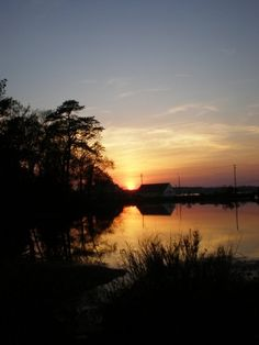 Sunset over the pond and river, St. Mary's College of Maryland. (Photo by Kerry Crawford)