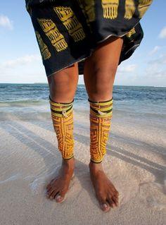 DULE MOR-Consiste en el uso combinado de la vestimenta con que las mujeres y los hombres kunas identifican su cultura. morsan, saburedi, olassu  y wini.