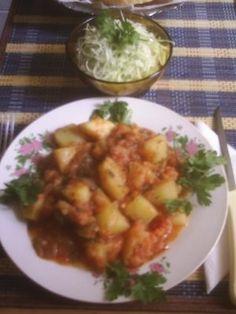 MANCARE DE CARTOFI DE POST Potato Salad, Potatoes, Meat, Chicken, Ethnic Recipes, Food, Potato, Essen, Meals