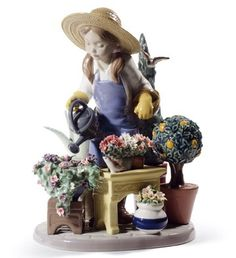 01008663  IN MY GARDEN   Issue Year: 2012  Sculptor: José Santaeulalia  Size: 25x18 cm
