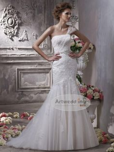 One Shoulder Strap Lace and Tulle Mermaid Weding Gown with Appliqued Waist.