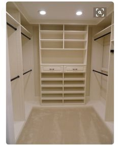 Exceptionnel On Each End Of The Master Closet, But With Drawers On The Bottom Half And  Doors On The Top Half To Conceal The Open Shelving Clutter :)