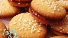 Βουτήματα Μαστίχας Greek Sweets, Greek Desserts, Greek Recipes, Vegan Desserts, Wine Recipes, Delicious Deserts, Yummy Food, Brownie Recipes, Cookie Recipes