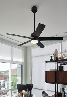 The Tier ceiling fan from Hinkley has a super sleek, super chic look with a matte black finish! Use it indoors or outdoors. #UpdateCeilingFan #CeilingFanIdeas #BeautifulCeilingFans #CoolCeilingFans #CeilingFansModern