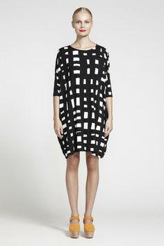Ristiin Graphic Print Jersey Dress Black/Off-White   Kiitos Marimekko