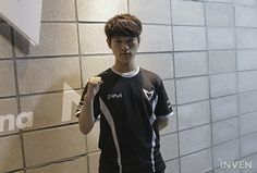 """SSG Crown on Thanking Faker: """"He solo-killed me on that champion before, so I made sure to pay special attention today"""" Make Sure, Esports, League Of Legends, Champion, Gaming, Articles, Crown, Lol, Mens Tops"""