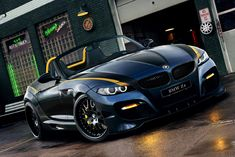 Model car photo top quality with brilliant and refined wheelbarrow BMW Z4 Roadster.