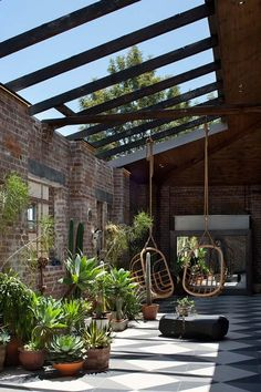 bkgengagement… Inner city Sydney warehouse by Allen Jack+Cottier www.bkgengagement… Inner city Sydney warehouse by Allen Jack+Cottier Large Backyard Landscaping, Backyard Patio, Landscaping Ideas, Backyard Ideas, Patio Ideas, Southern Landscaping, Florida Landscaping, Sloped Backyard, Backyard Seating