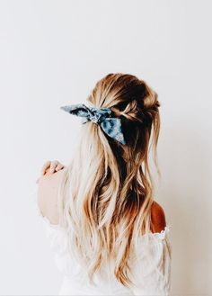 hair beauty - Best Stores to Buy Scrunchies & Scrunchie Hairstyles Design & Roses Box Braids Hairstyles, Scrunchy Hairstyles, Pretty Hairstyles, Style Hairstyle, Thin Hairstyles, Hairstyles 2018, Hairstyle With Bow, Bandana Headband Hairstyles, Model Hairstyles